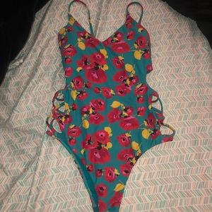 OPEN SIDE BILLABONG ONE PIECE